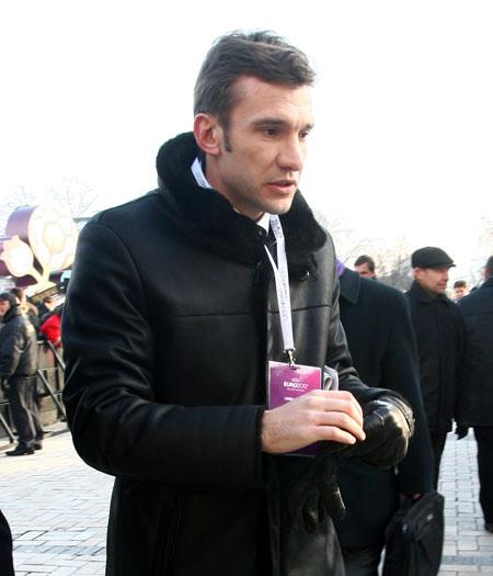 Андрей Шевченко пришел на Михайловскую площадь, чтобы увидеть символ чемпионата Европы.