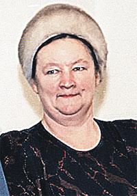 Евгению Патейчук отправили печатать договор о создании СНГ, не дав даже расчесать волосы. Потому она весь день проходила в шапке.