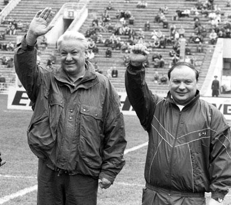 В начале 90-х Гайдар был ближайшим сподвижником Бориса Ельцина.