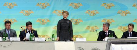 Все украинский форум железнодорожников, который проходил вчера в Киеве, превратился, по сути, в расширенное заседание Кабмина.