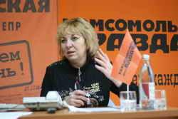 Нина Перепелица ответила и на новогодние вопросы, и на «вневременные».