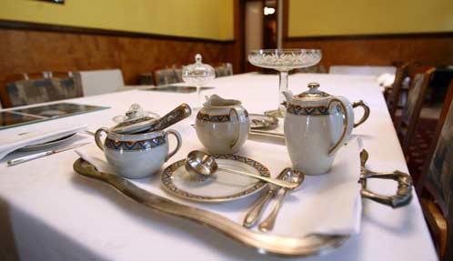 На снимке: любимый чайный сервиз Сталина.