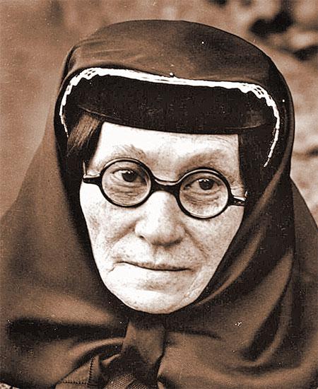 Мать будущего вождя Екатерина Джугашвили. Жаль, нет ее снимка в молодости. Говорят, была красавица!