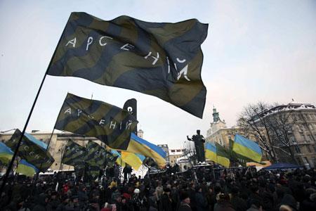 К лидеру «Фронта перемен» в столице Западной Украины относятся с особой симпатией.