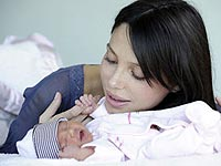 На этом фото дочери Гибсона Люсии-Анне четыре дня.