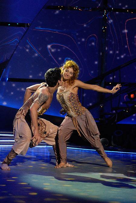 Кто станет победителем второго сезона шоу, объявят в эту пятницу (на фото финалисты Евгений и Катя.