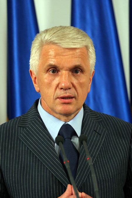 В отличие от других политиков Владимир Литвин демонстрирует президентское, государственное мышление.