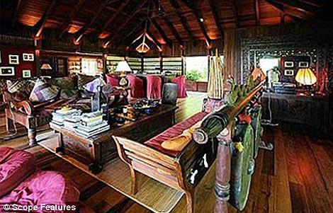 Это, действительно, великолепный особняк. Один из самых красивых и дорогих в мире. Фото: The Daily Mail.
