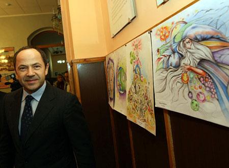 Рисунки кировоградских лицеистов на экологическую тематику политик оценил по достоинству.