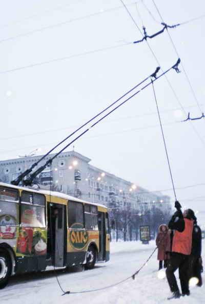Последствия предыдущей непогоды до сих пор свежи в памяти.Фото Ирины МАКУШИНСКОЙ.