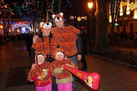 На праздник одесситы надели правильные наряды. Фото с сайта odessa.ua