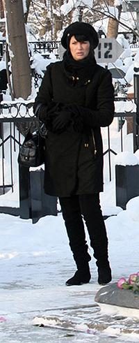 Юлия Абдулова уже два года носит траур по любимом мужу. Фото: Мила СТРИЖ.