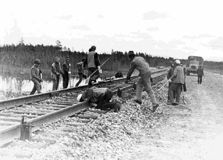 Украинские комсомольцы на ударные стройки всегда отправлялись первыми.