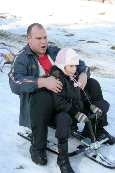 - Был бы снег, сынок, а гору мы себе найдем!