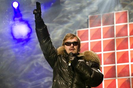 После окончания выборов Александр Пономарев пообещал дать альтернативный тур благодарности по маленьким городкам.