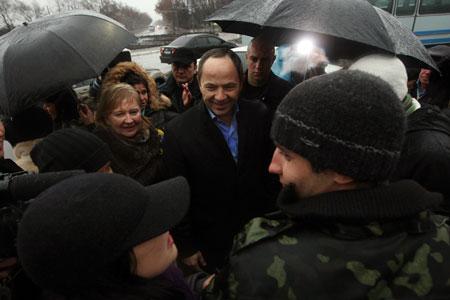 Моряков «Арианы» известный политик встречал вместе со всей Одессой.