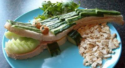 Сделав сэндвич в виде крокодила, Марк подумал, что неплохо было бы поделиться своими идеями с другими родителями. Фото: Funkylunch.com
