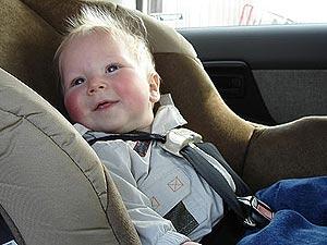 - В машине главное - пристегнуться покрепче!