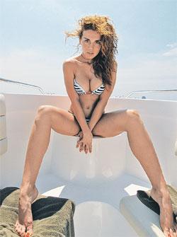 Аня Седокова снимает дом в Лос-Анджелесе вместе со своим бойфрендом Максимом.