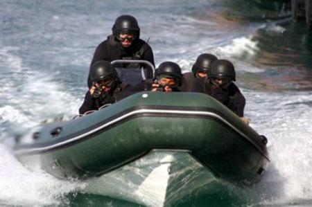 Тяжело в учении - легко в океане. Тренировки по освобождению условных заложников.