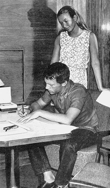 Марина Влади и Владимир Высоцкий на теплоходе «Шота Руставели». Начало 1970-х.