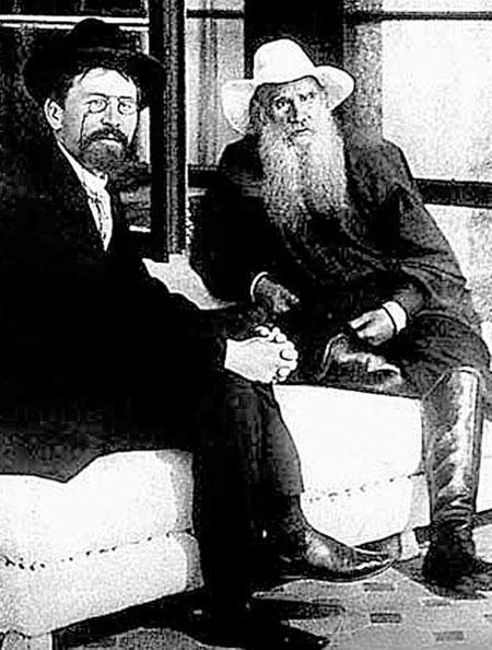 Два великих - Антон Павлович и Лев Николаевич - познакомились в больнице.