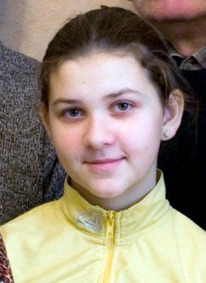 Младшенькая Иванна сейчас занимается в филармонии.