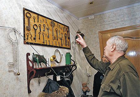 Леонид Нечаев всю жизнь коллекционировал ключи. Но самым главным был ключ из «Приключений Буратино» (он в центре).