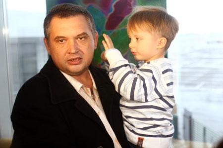 Старший помощник капитана Виталий Душин ждал встречи с родными долгих четыре месяца.