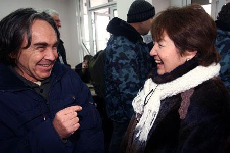 Супруга капитана Рустама Янбаева - Ирина пообещала накормить его салом.