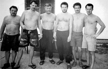 На фото слева направо: Виктор Рязанов, Юрий Вшивцев, Владимир Шарпатов, Газинур Хайруллин, Александр Здор, Сергей Бутузов (фотографировал Асхат Аббязов). Фото из личного архива Виктора Рязанова.
