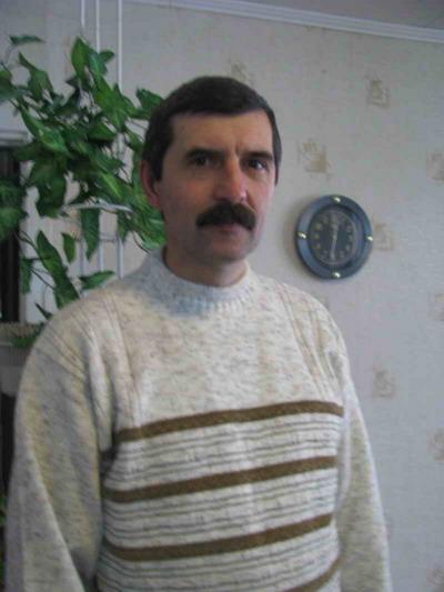Офицер Андрей Мокрицкий вытащил из огня двоих детей, но героем себя не считает.