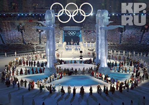 На церемонии открытия главными героями были телевизионщики — именно они должны были подать зрителю шоу во всей красе. Фото: Владимир ВЕЛЕНГУРИН