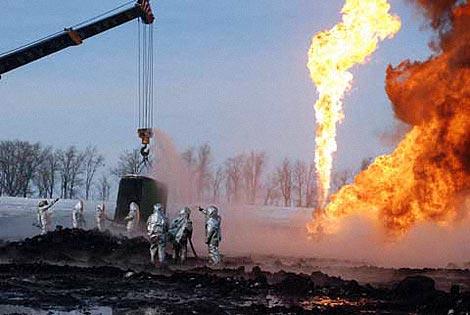 Извлекаемые запасы нефти на месторождении оцениваются в 2,5 миллиона тонн. Фото пресс-службы ГУ МЧС Росиии по Оренбургской области.