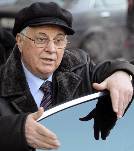 Леонид Кравчук «подсел» на государственные колеса в соответствии с законом.