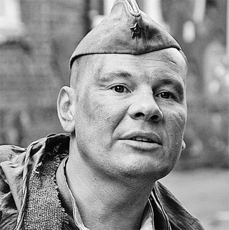 В кино Владислав играл роли мужественных мужчин.