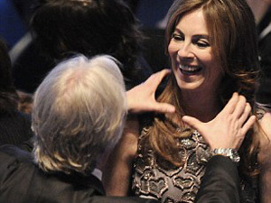 Кэтрин Бигелоу поздравляет ее бывший муж - Джеймс Кэмерон. Фото: АП