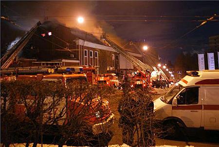Пожарные грозились его закрыть несколько раз. Фото: leoramschtain.livejournal.com.
