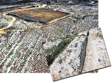 Самые большие колеи в Clapham Junction на Мальте. Ширина - 1,5 м, глубина - 70 см (на большом фото). Сверху эти колеи (на маленьком фото) выглядят сортировочной железнодорожной станцией.