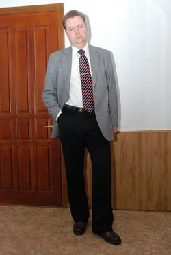 Пока Дмитрий Секиринский в больнице.