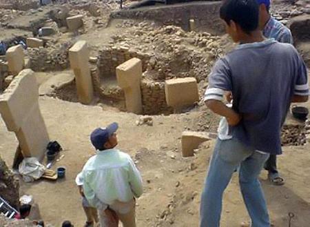 Основной архитектурной особенностью святилища являются Т-образные столбы. Фото: hurriyetdailynews.com.