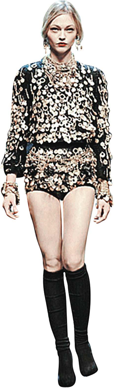 Dolce&Gabbana призывают показывать ножки - видимо, чтобы у сильного пола было теплее на душе.