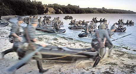 Когда все «солдаты» задвигались, получилась масштабная батальная сцена.