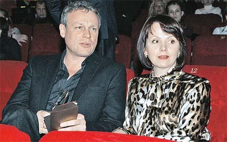 Сергей Жигунов уходил от жены Веры Новиковой и все равно потом вернулся. Страсть проходит. А «любовь никогда не перестает».
