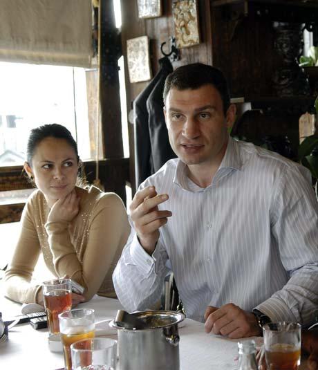 Жена Наталья приготовит для Виталия праздничный обед.