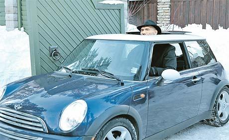 Валуев любит прокатиться с ветерком. Фото телеканала Discovery.