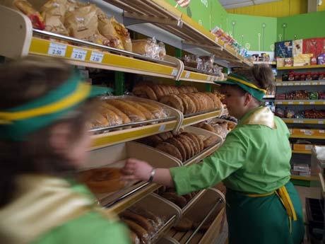 От власти частный украинский бизнес ждет трех шагов: упрощения разрешительной процедуры, сокращения числа проверок и послаблений в сфере лицензирования. Фото Артема ПАСТУХА.