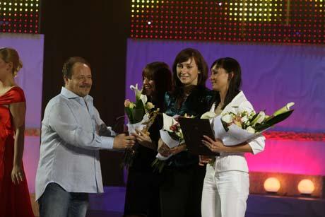 ...а лучшую команду - сборную страны по фехтованию - «прапорщик Шматко», актер Алексей Маклаков.