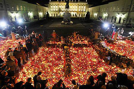 Трагедия под Смоленском отозвалась болью в сердцах миллионов поляков.