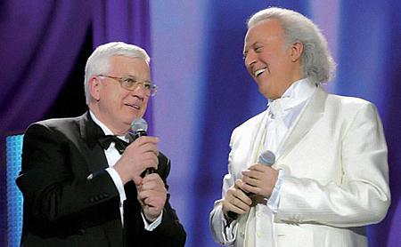 Паулс и Резник и сами собираются спеть для зрителей дуэтом.